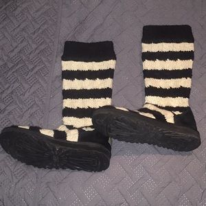 UGG Shoes - Black & White Tall Cable Knit Uggs